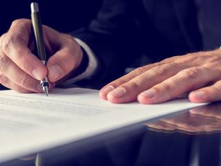 firma-autografa-como-requisito-de-procedencia-de-la-accion